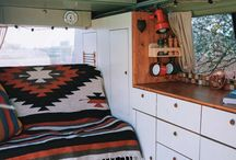 Camper Interior / The furnishing of your Camper is one of the most important things to feel comfortable. Check out the best interior ideas to build a cozy little home to travel the world with.