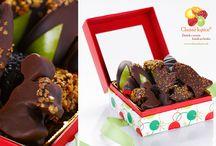 Bonboniéry z čerstvého ovocia v čokoláde / Fantasticky vyzerajú aj chutia: to sú bonboniéry od značky Chutné kytice.  http://www.chutnekytice.sk/ovocie-v-cokolade