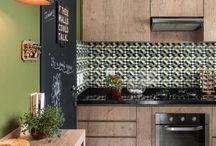 Lustre para a cozinha / Confira a seguir uma seleção de lindas cozinhas decoradas com lustre de estilos e modelos variados e inspire-se!