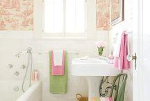small ff bathroom