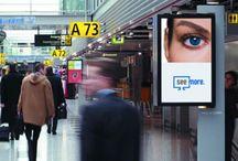Ecrans pour vitrine / Gamme d'écrans professionnel haute luminosité pour installation en vitrine. PEKASON