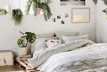"""BEDROOM. / `~ """"Where it all happens"""" ~`  BEDGASM ;;; een euforisch gevoel ervaren bij het klimmen in bed aan het einde van een lange dag"""