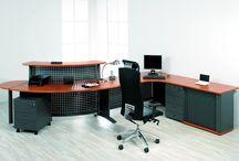 recepce VASA / V každé společnosti je právě recepční pracoviště vizitkou firmy. Recepce VASA Vám ostudu rozhodně neudělá. Má mohutnou stabilní konstrukci a zároveň díky pohledovému perforovanému plechu vypadá velmi odlehčeně a vzdušně.
