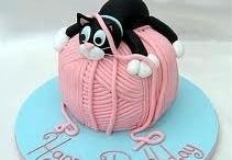 cakes / by Geraldine Everett