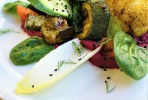 Restauracja wegańska w Gdyni / Soul Fresh! to nie tylko restauracja wegańska w Gdyni. To miejsce, w którym łączymy naszą pasję do kuchni roślinnej i sztuki. Odwiedź nas i przekonaj się, że zdrowe nie znaczy nudne!