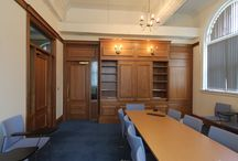 Oxford University Style Library / This project was all about replicating the grandeur of traditional Oxford University libraries on a smaller scale.