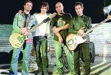 Mi Rock, mi maldito Rock! ♪ / by Andrea Benitez