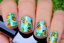 Pineapples / Tropical