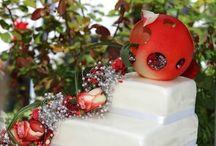 Hochzeitstorte / Ob Candy Buffet, eine Auswahl an Kuchen oder die klassische Hochzeitstorte, lassen Sie sich und Ihren Gästen den Tag versüßen!