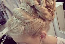 Wedding Hair / by Hannah Smith