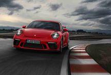 Nuevo Porsche 911 GT3 / El nuevo Porsche 911GT3 es una fiera preparada para los circuitos y las carreteras.