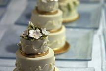 mini weding cake