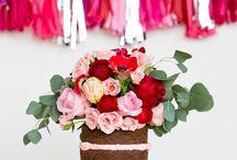 Naked cake inspiration & wedding flowers