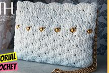 Cluch blanco con perlas amarillas