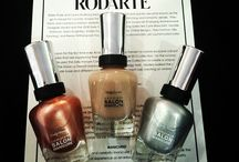 NYFW Looks We Love / by Sally Hansen