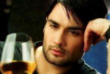RK(Rishabh Kundra)