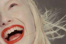 People : LAUGH !