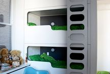 Kids Bed Options / How to fit 3 young children in one tiny room?! BUNKS!!!