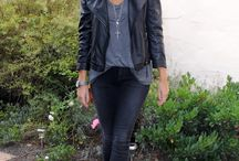 Schwarze Outfits