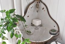 Powder Room / by Michelle Cherland