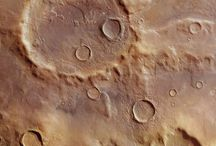 Amazing Mars Crater Images / Do you want to see amazing images of the craters on Mars?