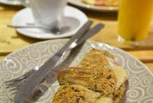 #propuestaparatomarcafé17septiembre2013 / Hoy vamos a tomar café en pleno barrio de Salamanca (Madrid) concretamente en la C/ Velazquez, 9. El nombre del sitio Arúgula. Un sitio que transmite tranquilidad y un ambiente muy acogedor.