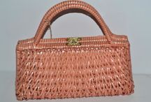Vintage Wicker & Basket Purses / Vintage wicker, rattan, straw and basket purses for sale http://www.quirkyfinds.com/vintage-purses/vintage-wicker-straw-purses/