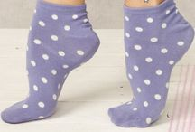 Leuke bolletjes / Leuke vrouwelijke Bamboe slips en sokjes in zachte kleuren met bolletjes print.