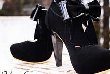 Nuestros zapatos / Creamos nuestros estilos y esperamos que te gusten. ¡Estos son nuestros diseños Colombianos!