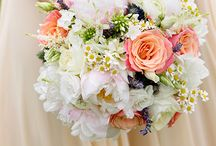 wedding bouquets / loose, casual, wild, unusual, and striking wedding bouquets