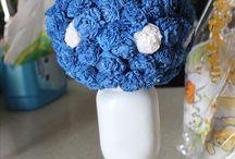 Flores en Papel / Puedes consentir a la homenajeada ayudandole a decorar su mesa, es muy sencillo y facil de hacer. Ademas puedes reutilizarlas en tus proximos eventos.