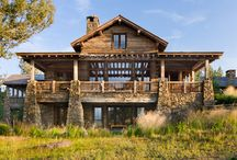 Great Point Lodge / The 18,000 square foot Great Point Lodge is strategically positioned to take full advantage of the almost-360-degree views of the surrounding Gallatin Mountains. The vistas are inspiring, while 160 acres of timbered ridges and meadows simultaneously deliver a measure of solitude and privacy—the home was designed to be the ideal location for large family gatherings.
