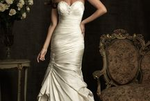 Dreams of the Aisle / Wedding dresses and all its decadent beauty