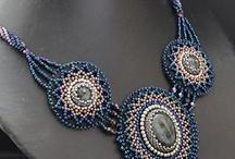 gyöngyhímzés - beads embroidery