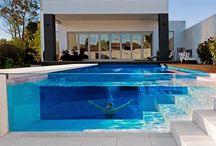 Piscinas de Vidro | Glass Pool / Veja muito mais fotos, dicas e informações técnicas de cada PISCINA no blog Decor Salteado! É só clicar nas imagens! ; - )