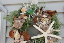 Wreaths, wreaths & more wreaths!!! :-) / by Tracy Valdrighi