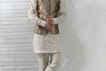 Koti With Kurta Pyjama / Look totally Indian by wearing this brown kurta set. Made from high-quality linen, this short kurta includes a trouser, bandh collar koti in jute silk jacquard. You can team it with bottoms of your choice to complete your ethnic look. Pair it up denims for an ultra-stylish modern-traditional look.