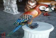 Papağan Heykelleri