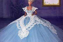 Barbie  robe dentelles  tissu  crochets