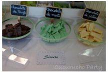 Mesa dulce con rincón de chuches / Mesa dulce en verde y blanco