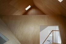 wnętrze z drewnem