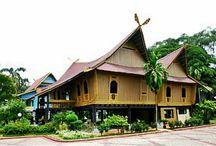 Fawzaan = Rumah Adat Riau