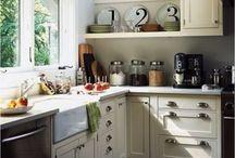 Kitchen / by Christa Schick-Bronson