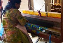Artisanat & Savoir-faire / Les procédés et techniques de fabrication des pièces Sample Concept. Découvrez le savoir-faire des artisans de cuivre, des colliers de perles et tissus Dhaka traditionnels népalais. Les coussins vintage, produits 100% français avec des tissus pure laine...