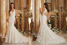 Νυφικά Δαντέλα / Νυφικά Arka Wedding από πολυτελείς πανέμορφες δαντέλες, αρχοντικά κεντημένα με Κρύσταλα Swarovski. Οι φούστες με ουρά, δίνουν χάρη και αρχοντιά σε μια νύφη με απαιτήσεις.