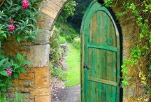 Двери и калитки в саду