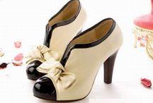 Zapatos / by Selene ab