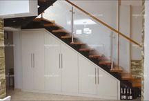armarios debajo escalera