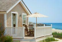Beach Cottage Interiors / Quintessential beach cottage inspiration