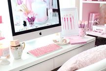 Gorgeous Workspaces / Because one component of productivity is having a beautiful workspace for your blog or business.